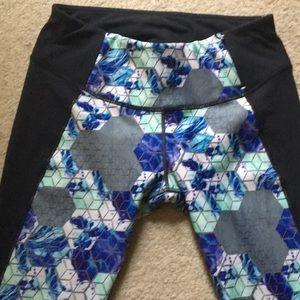 Calia size small 7/8 leggings/ gym tights